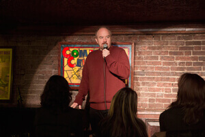 El stand-up comedian Louis C.K. es el protagonista absoluto de 'Louie', su alter ego.