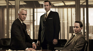 Roger Sterling, Don Draper y Pete Campbell, tres de los protagonistas de 'Mad Men'.